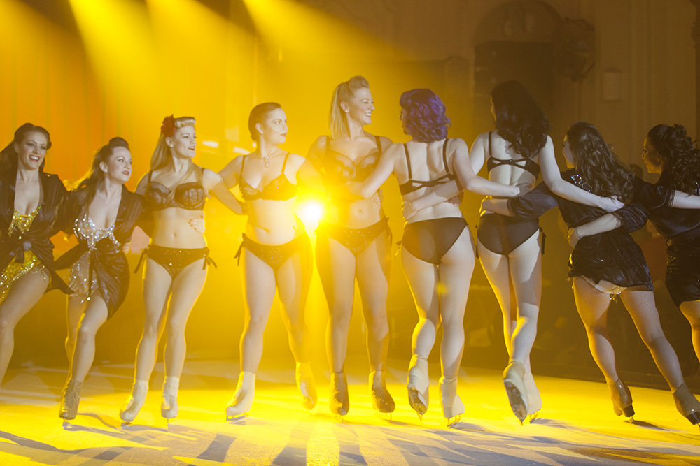 Burlesque On Ice © Tigz Rice Studios 2014. http://www.tigzrice.com